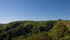 Panorama sul territorio circostante Castiglione Tinella, verso S. Stefano Belbo