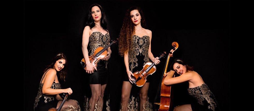 """Sul palco il concerto """"BaRock"""" di un quartetto d'archi al femminile."""